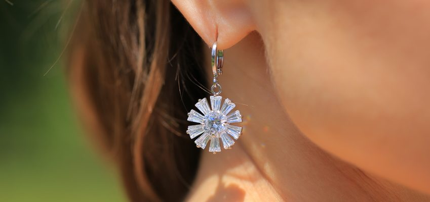 How To Clean Your Diamond Earrings At Home