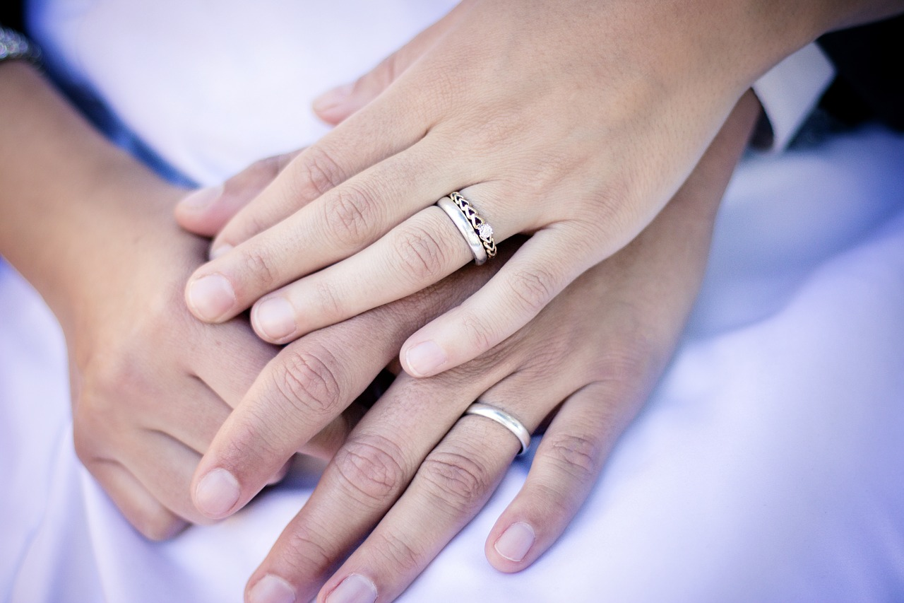 Should Your Wedding Ring Match Your Engagement Ring?