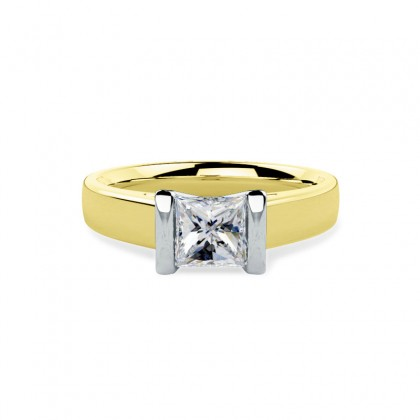 A beautiful Princess Cut solitaire diamond ring in 18ct yellow & white gold