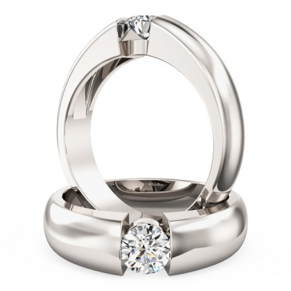 A beautiful round brilliant cut solitaire diamond ring in platinum