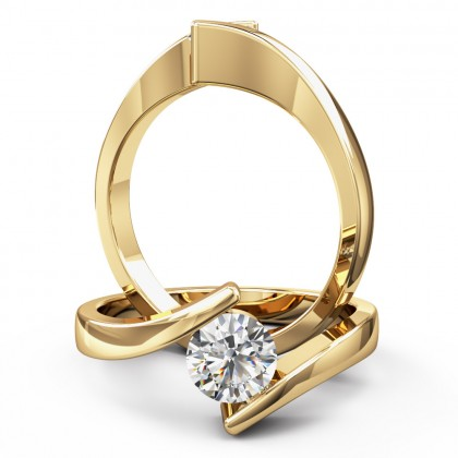A striking Round Brilliant Cut twist diamond ring in 18ct yellow gold